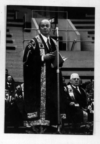 Vice-Chancellor Walter Perry at a graduation ceremony. In the background to the right can also be seen Pro-Chancellor Sir Peter Venables.